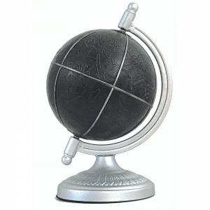 Mappemonde de l'Antiquité en cuir teint en noir et métal finition argent