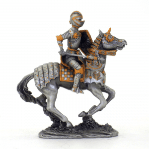 Figurine - Cavalier avec son marteau tranchant