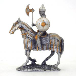 Figurine - Cavalier sur sa monture avec son bouclier rond et son marteau tranchant