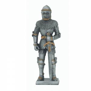 Figurine - Cavalier avec son épée et sa cote de mailles