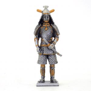 Figurine - Samurai avec son sabre dans le fourreau