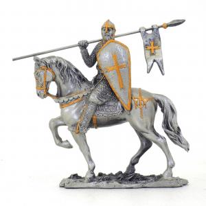 Figurine - Cavalier croisé avec sa longue épée