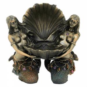 Figurine - Deux créatures légendaires mi-femme