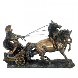 Figurine du prince juif Ben-Hur sur son chariot