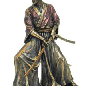 Figurine - Samourai en train de trancher avec son katana